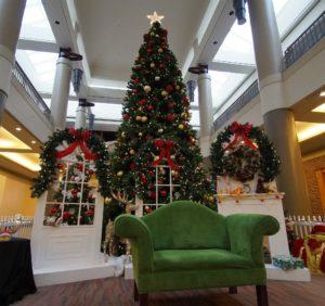 Santa at Walden Galleria